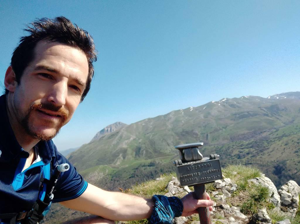 Andoni Oyarzabal erabiltzailea Sarastarri puntan, 2021-03-28 11:51
