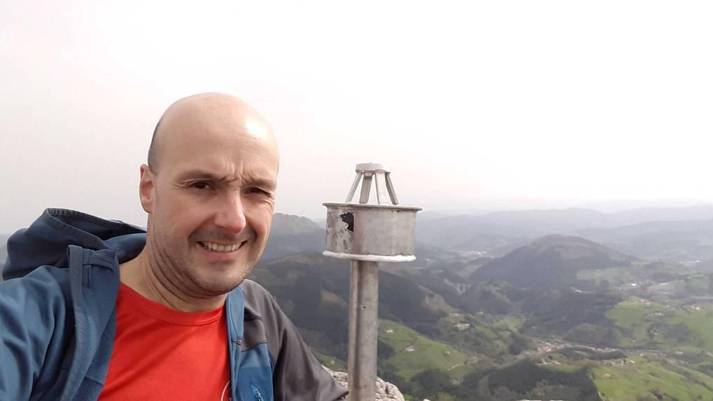 Mikel Larreategi erabiltzailea Santikurutz puntan, 2021-04-01 11:54