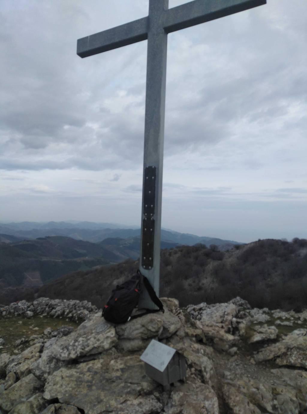 Josu Azpillaga erabiltzailea Erloko gurutzea puntan, 2021-04-09 09:01